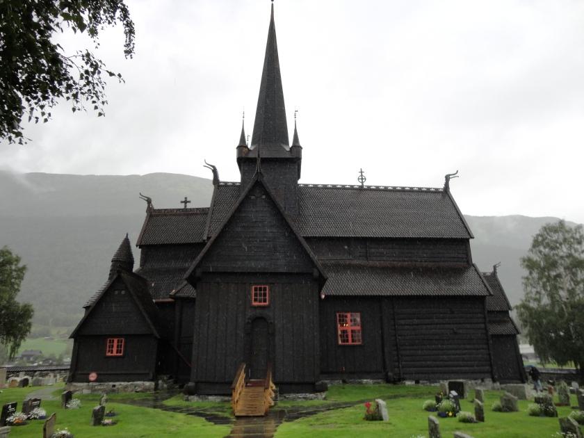 achterzijde van het beroemde stavkirke van Lom uit 1210
